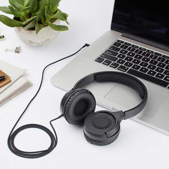 Complete-guide-to-caring-for-your-headphones